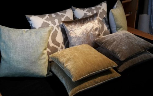 Cushion display